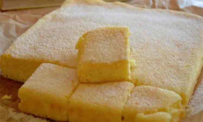 Se topește în gură bucățică cu bucățică – Prăjitură cu brânză rapidă și ușoară 696x418 1